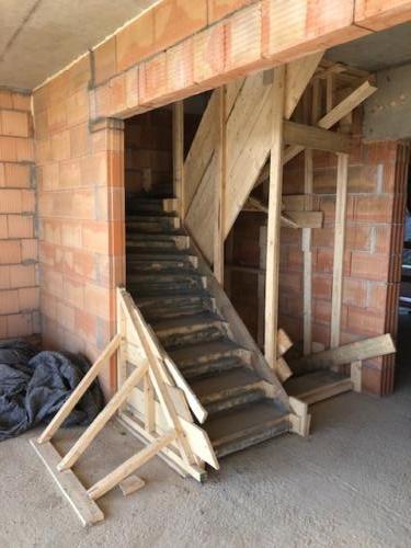 Objekt D - 2.NP, točité schodiště