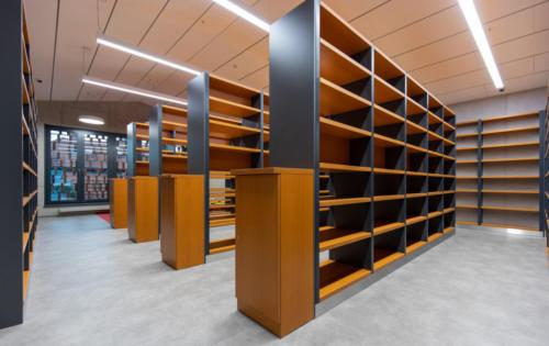 knihovní prostor 2. patro